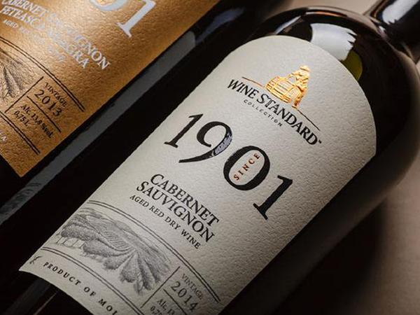 定制葡萄酒不干胶标签印刷如何选择?